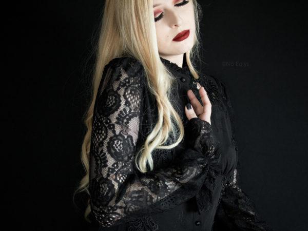 Portrait gothique romantique No Eelys photographe, modèle et blogueuse alternative Paris Ile de France (Le Boudoir de Nö)