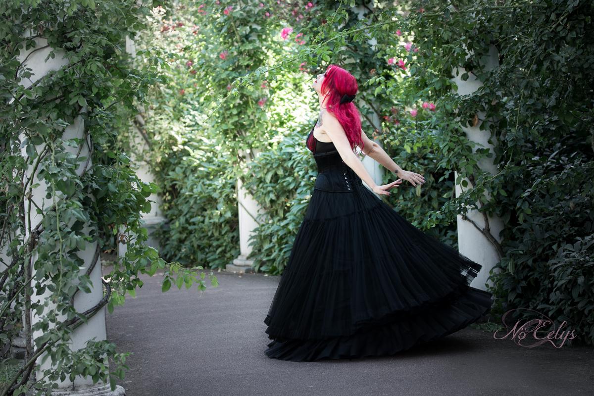 Portrait gothique romantique roseraie, Modèle Lady Paradize, Nö Eelys Photo