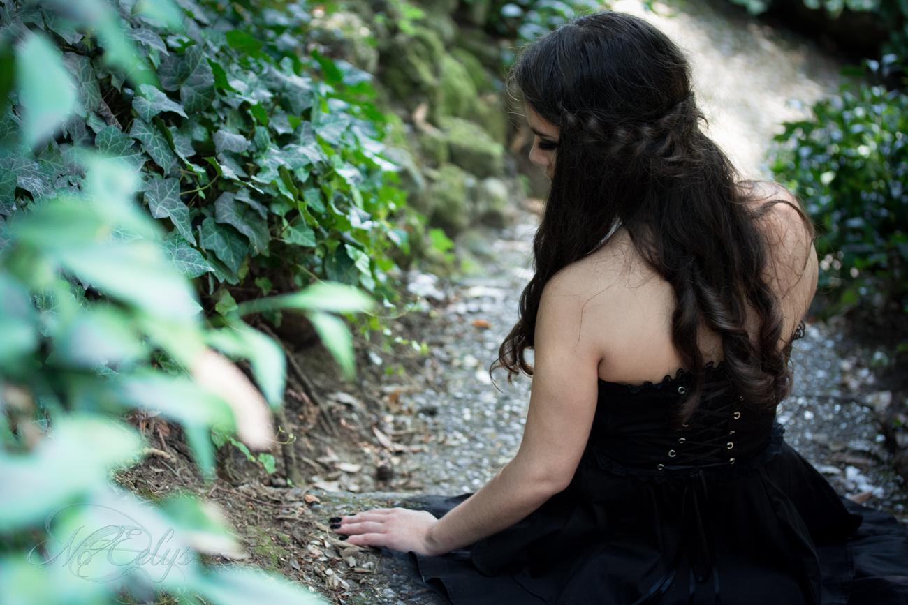 Portrait gothique romantique mélancolique, modèle et coiffure Findelë's Secrets, Nö Eelys photo photographe alternative