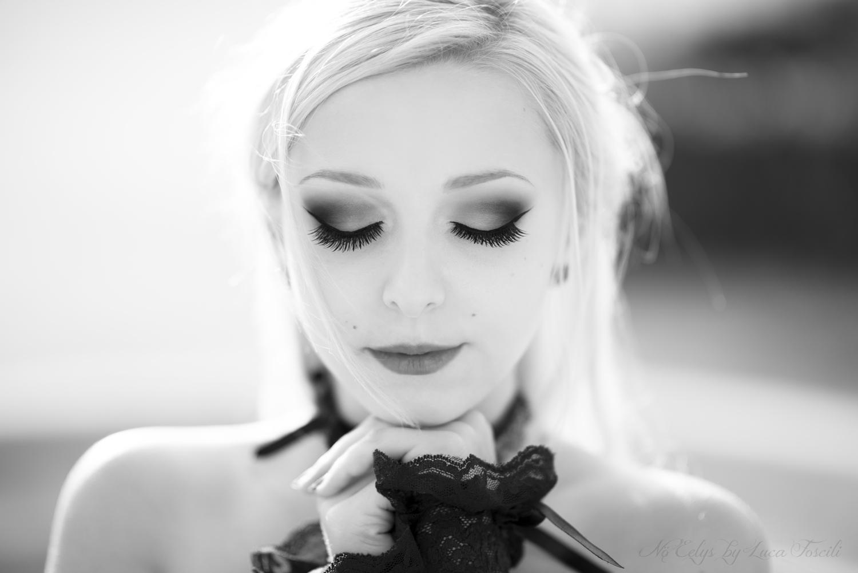 Nö Eelys par Luca Foscili, modèle alternative, maquillage par Nö Eelys (Le Boudoir de Nö) coiffure par Findelë's Secrets, Parme, Italie