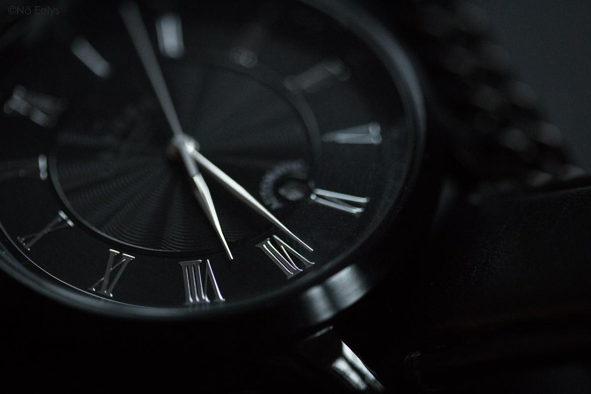 Montre Automatique N29 Black and Black Camden Watch Co photo de montre macro