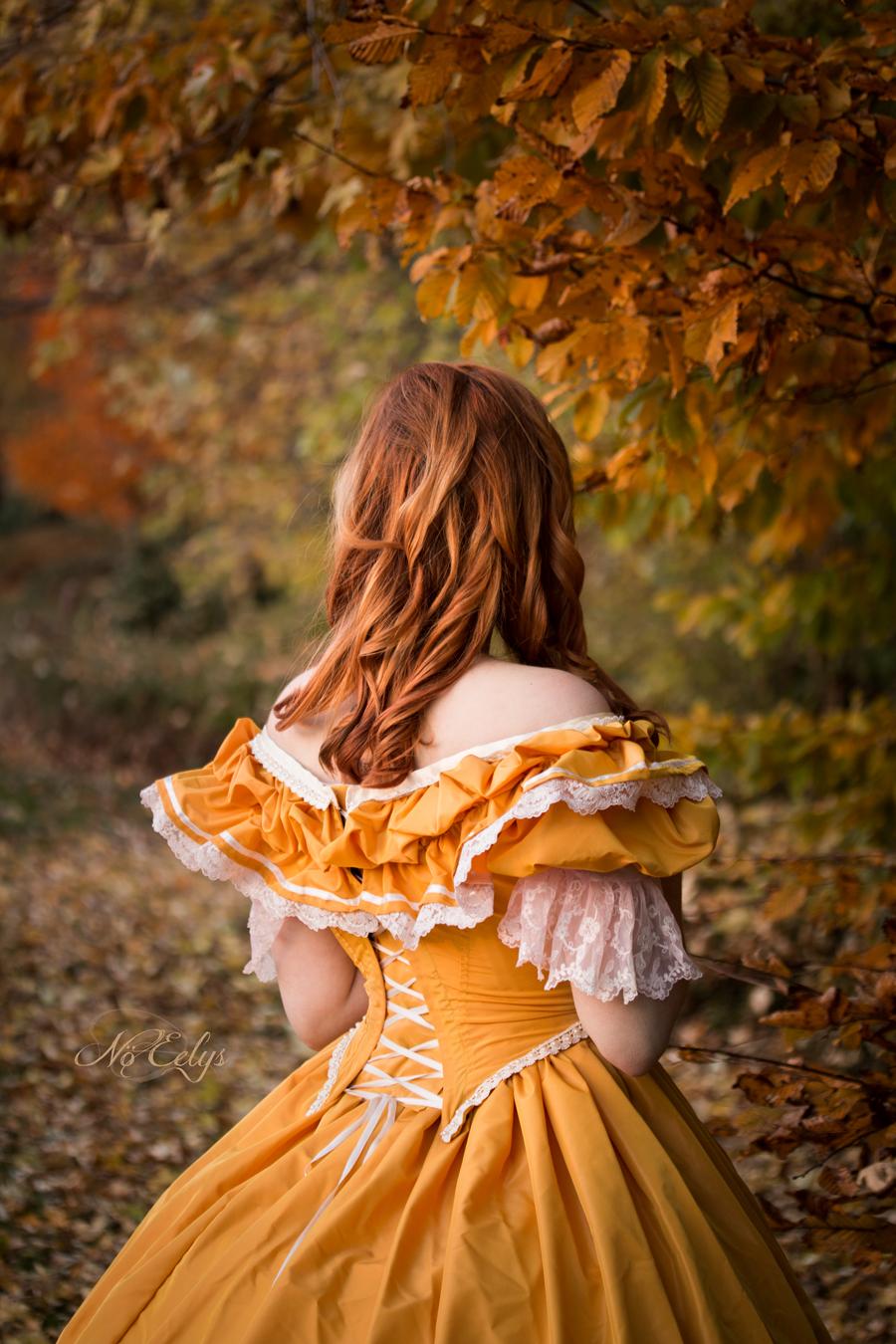 Un Dernier Automne, photo romantique avec robe d'époque signée Angy Art par Nö Eelys photographe alternative Paris, modèle alternative Aryanne Morth