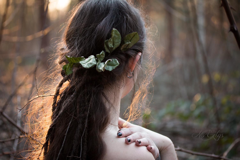 Wild Rose, modèle Dame Ténébra/Moonbaast, modèle alternative, portrait onirique elfique fantastique par Nö Eelys, maquillage par Le Boudoir de Nö, Coiffure par Findëles Secrets